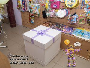 Самораскрывающаяся коробка-сюрприз с шарами внутри